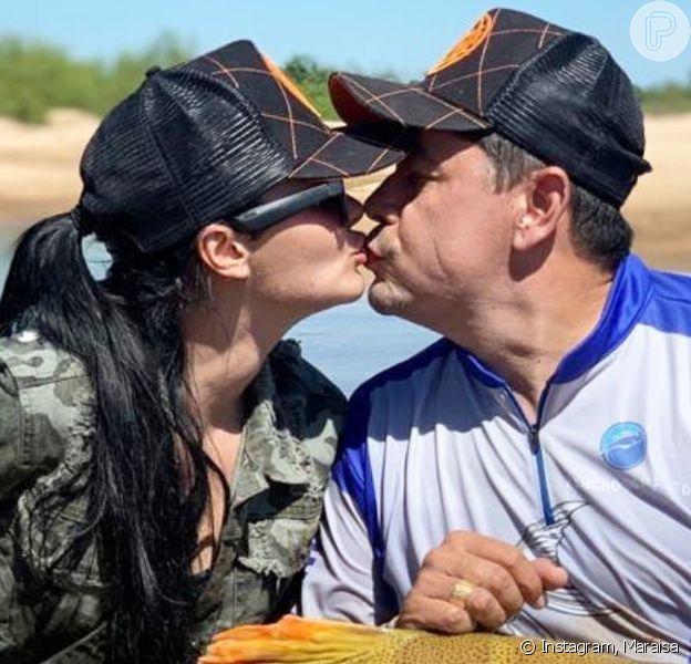 Maraisa faz foto de beijo com namorado, Fabricio Marques, após reatar relação