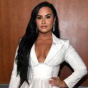 Demi Lovato fica noiva de Max Ehrich e chora ao mostrar aliança: 'Vou me casar'