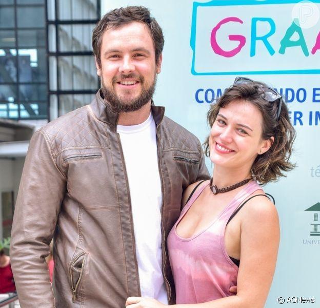 Sergio Guizé posta foto com Bianca Bin e afasta rumor de separação