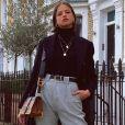 Agatha Moreira aposta em look estiloso com coturno grunge