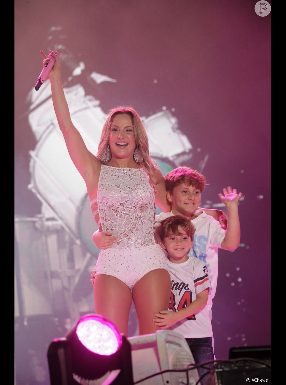 Claudia Leitte também é mãe de Davi e Rafael