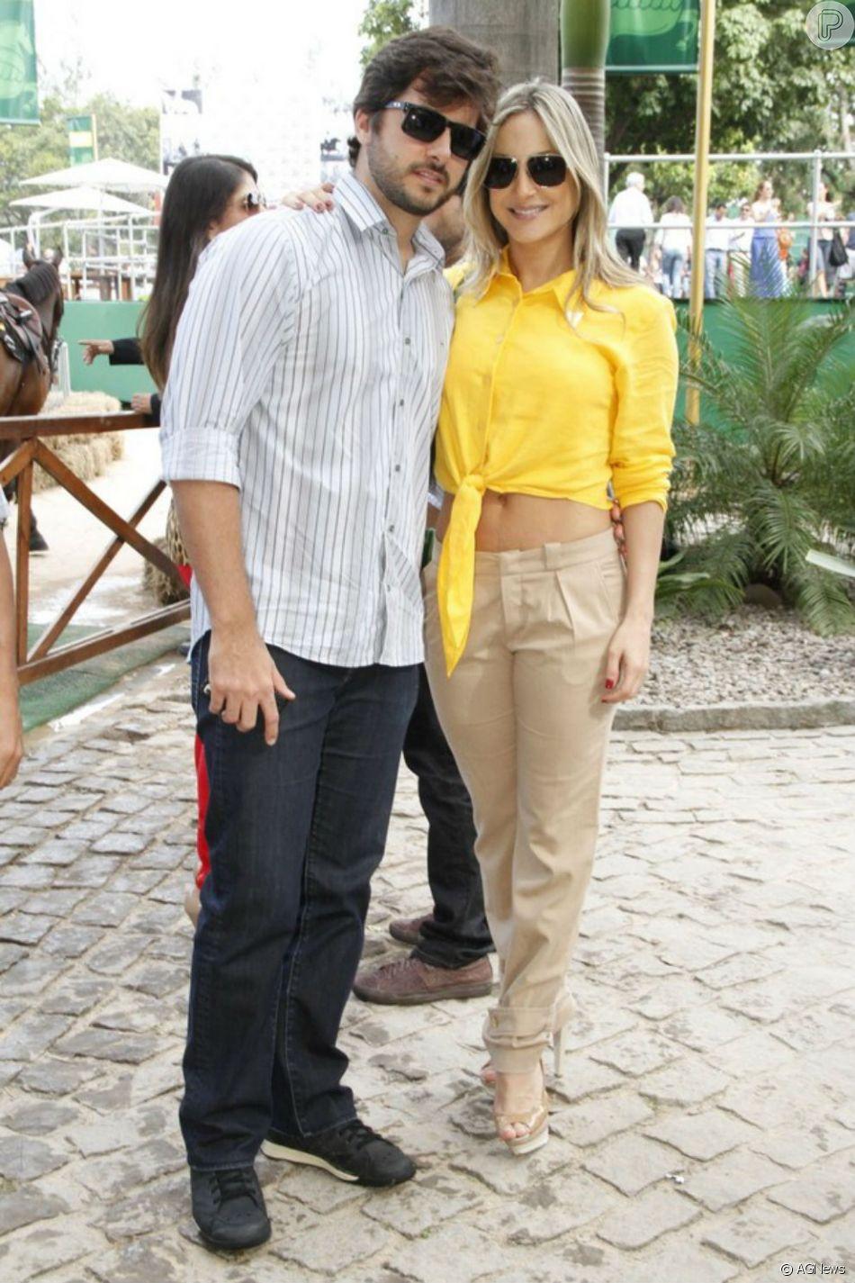 Claudia Leitte e o marido, Marcio Pedreira, também ofereceram brócolis para Bella