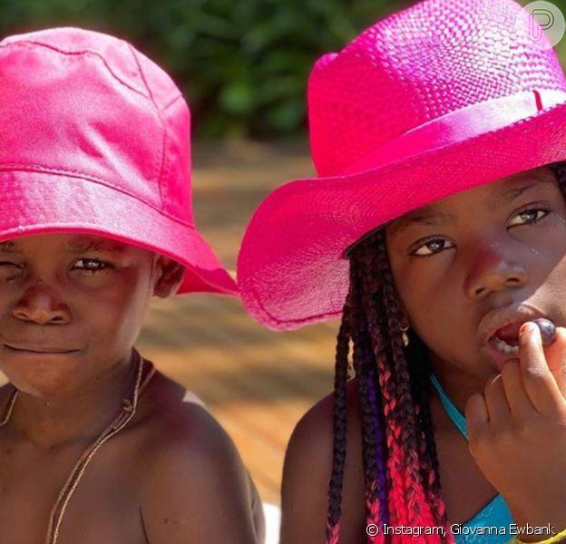 Giovanna Ewbank posta foto dos filhos Títi e Bless com chapéus combinando neste domingo, dia 06 de setembro de 2020