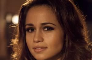 'Salve Jorge': Pela webcam, Morena (Nanda Costa) revela a Helô que está viva