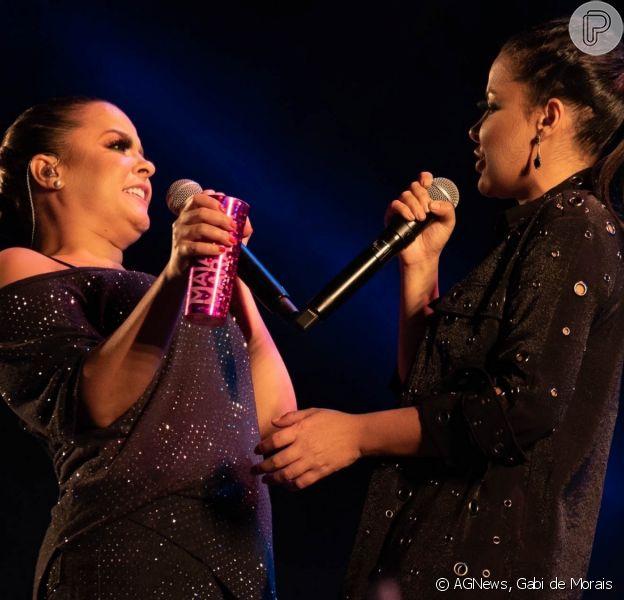 Maiara e Maraisa apostam em looks all black para show drive-in, em Brasília, em 12 de setembro de 2020