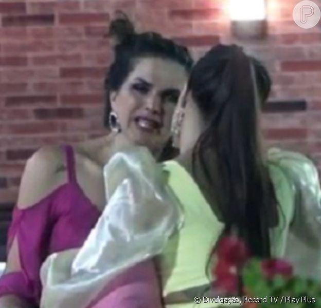 'A Fazenda 12': Luíza Ambiel se revolta com Carol Narizinho em festa
