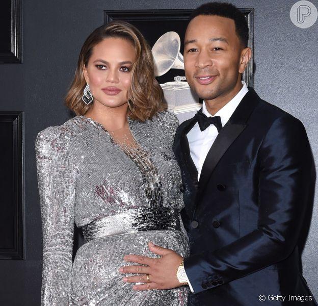 John Legend e Chrissy Teigen anunciam morte do 3º filho no parto