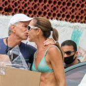 Fernanda Venturini recebe ex-marido, Bernardinho, e ganha beijo dele em festa na praia