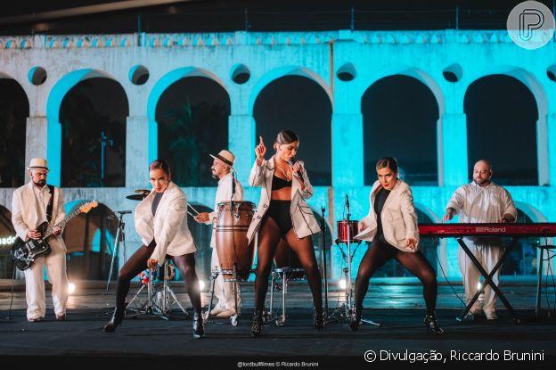 Anitta apresentou versões de 'Me Gusta' e 'Mas Que Nada' no Grammy Latino 2020