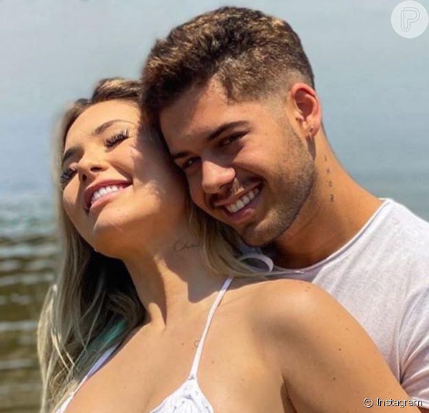 Noiva de Zé Felipe, Virgínia Fonseca nota jeans apertado e espinhas na gravidez