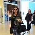 Thayla Ayala veste look despojado para ir ao aeroporto