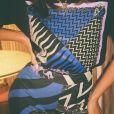 T-shirt genderless e calça de cintura alta: confira detalhes do look de Bruna Marquezine