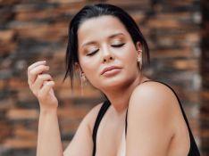Maraisa posta fotos de body e beleza da cantora chama atenção de Danilo Gentili