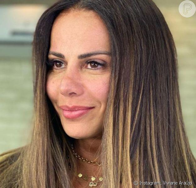 Viviane Araújo faz micropigmentação labial e na sobrancelha