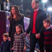 Família real e elegante! Kate Middleton e William levam filhos a peça natalina. Fotos