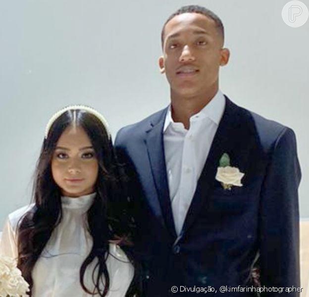 Jogador João Pedro e a influenciadora Carol Assis planejam lua de mel nas Maldivas após casamento do civil