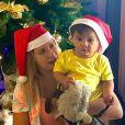 Marília Mendonça posou com o filho, Leo, no Natal