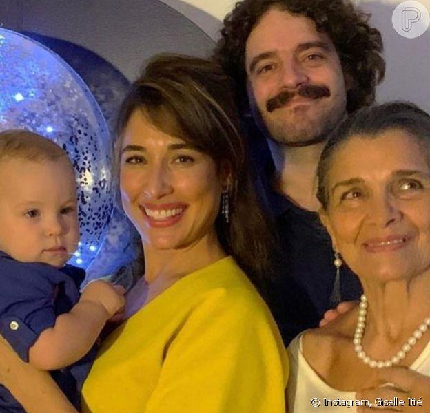 Giselle Itié recebeu Guilherme Winter na festa de 1º aniversário do filho deles, Pedro Luna