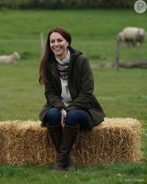 Look de Kate Middleton em fazenda tem tudo a ver com moda do outono