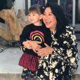 Mãe de Sabrina Sato derreteu-se pela neta: 'Linda'