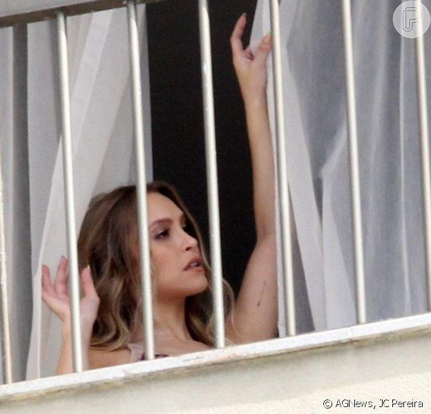 Carla Diaz posou para fotos em um hotel de luxo do Rio de Janeiro nesta quinta-feira, 13 de maio de 2021