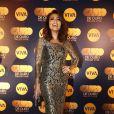 Juliana Paes posa com sue look Dolce & Gabbana na festa do 'Globo de Ouro'
