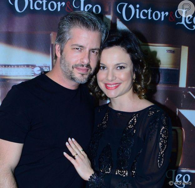 Ex-mulher de Victor Chaves, Poliana Bagatini assume namoro comPedro Stefani Marino nas redes sociais