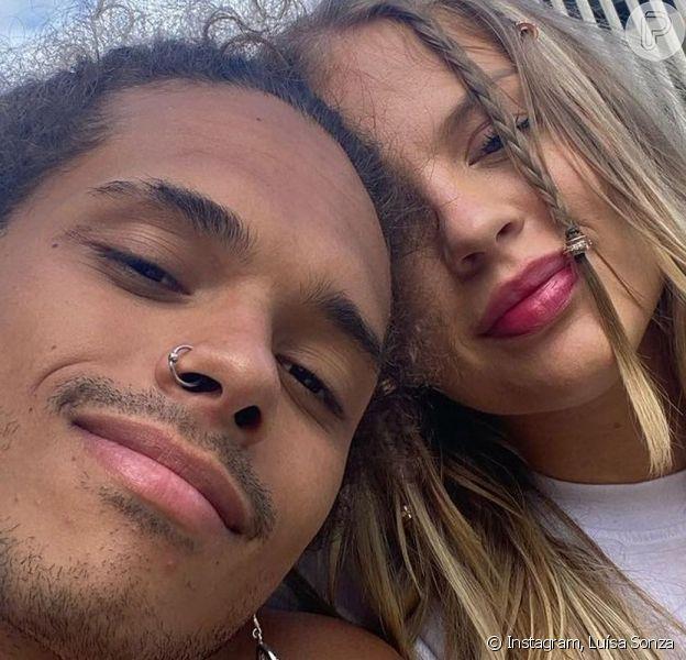 Luísa Sonza apareceu em uma foto postada pelo namorado, Vitão, nesta sexta-feira, 11 de junho de 2021