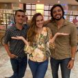 Novela 'Salve-se Quem Puder': Luna (Juliana Paiva) fica dividida entre Téo (Felipe Simas) e Alejandro (Rodrigo Simas)