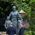 Príncipe Harry e Príncipe William teriam discutido no dia do funeral do avô, que faleceu aos 99 anos