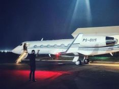Gusttavo Lima exibe avião de luxo de R$ 180 milhões com nova decoração. Veja fotos!