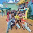 Anitta e o bilionário Michel Chetrit chegaram a fazer passeios com amigos em parques