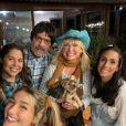 Sasha Meneghel reuniu o marido, João Figueiredo, a mãe, Xuxa, amigas e Junno Andrade em aniversário