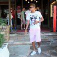 Neymar é clicado em restaurante da Barra da Tijuca, no Rio, em 10 de março de 2013