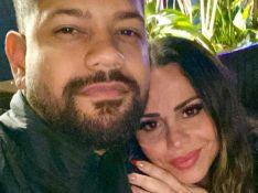 Viviane Araujo surge abraçada em foto ao marido, Guilherme Militão, após casamento