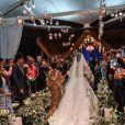 Viviane Araujo usou vestido com transparência e bordados para casamento com Guilherme Militão