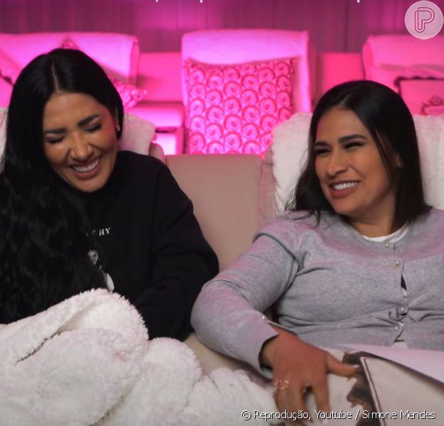 Simone e Simaria respondem comentários de haters em vídeo e riem de mensagens