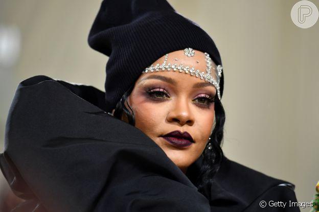 Maquiagem de casamento com batom escuro: Rihanna inspira com visual do MET Gala 2021
