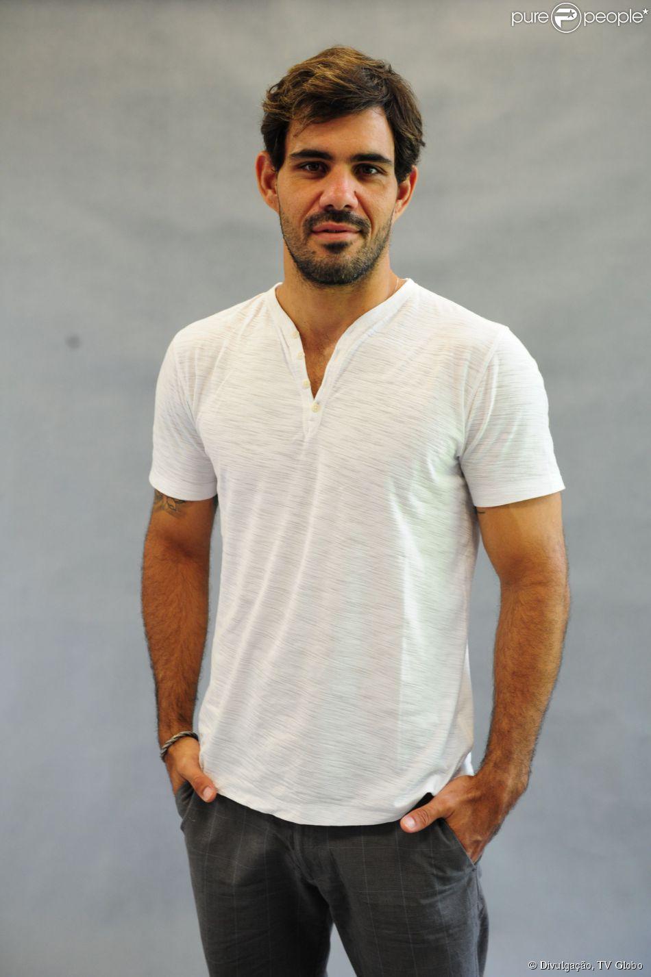 Novela 'Favela Chique': Juliano Cazarré interpretará MC na trama de João Emanuel Carneiro
