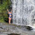 Larissa Manoela segue curtindo dias de calor em Minas Gerais