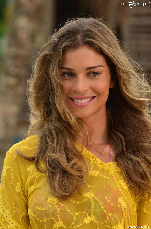Grazi Massafera estreou a sua segunda protagonista, Ester, em 'Flor do Caribe', na segunda-feira, 11 de março de 2013