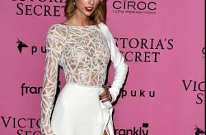 Taylor Swift faz aniversário de 25 anos. Confira 50 looks incríveis da cantora!