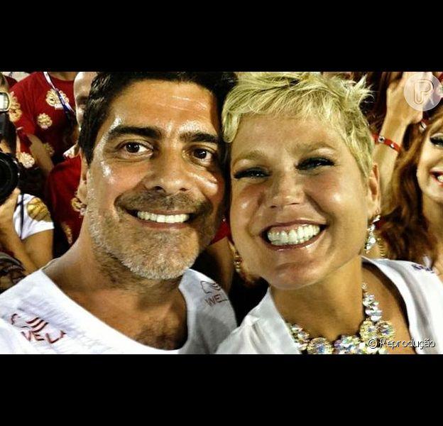 Junno Andrade conversou com o Purepeople sobre o presente de aniversário de Xuxa, que completa 50 anos nesta quarta-feira, 27 de março de 2013, e confessou que costuma deixar a escolha para a última hora