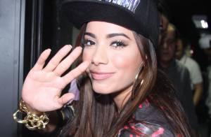Anitta afirma que não tem tempo para namorar e dispara: 'Estou solteríssima'