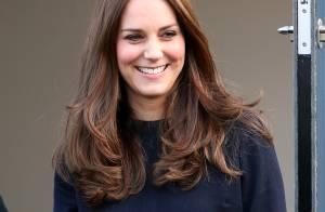 Kate Middleton usa vestido de R$ 1.800 e peça esgota em lojas do Reino Unido