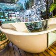 O líder terá acesso a uma luxuosa banheira de hidromassagem que também dará vista para a casa. O convidado do proprietário do quarto poderá tirar uma casquinha do mimo