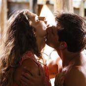 'Flor do Caribe': Ester (Grazi Massafera) e Cassiano se beijam após 7 anos
