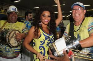 Carnaval 2016: Juliana Alves não será mais rainha de bateria. Escola nega