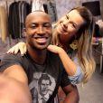 Thiaguinho fala sobre casamento com Fernanda Souza: 'Mais feliz do que ansioso'