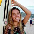 Carol Portaluppi tem 20 anos e é filha do técnico de futebol Renato Gaúcho. A gata esbanja corpão ao aparecer em praia ao lado do pai